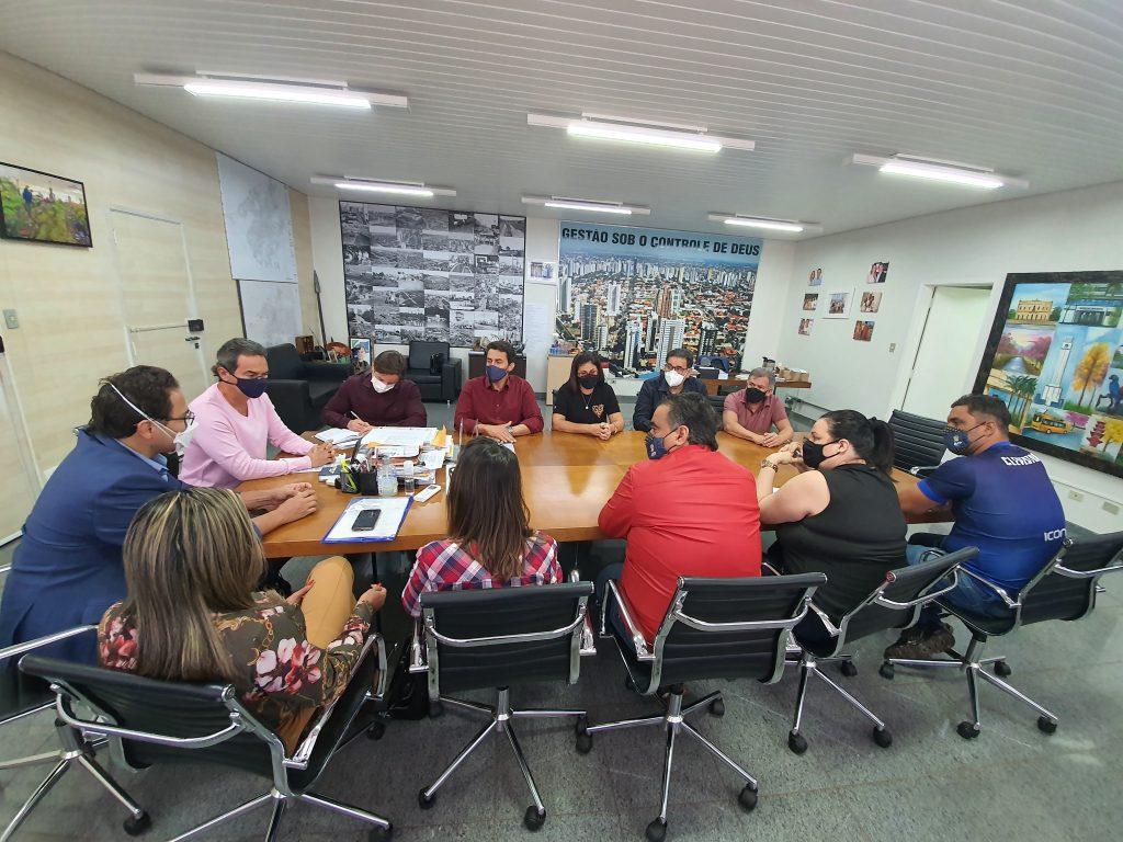 Piso 20h REME: ACP e prefeito têm reunião e Marquinhos se compromete em retomar cumprimento da lei 5.411/2014